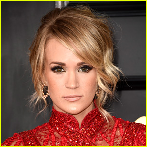 Carrie Underwood Hospitalized After Breaking Wrist, Tweets Update for Fans