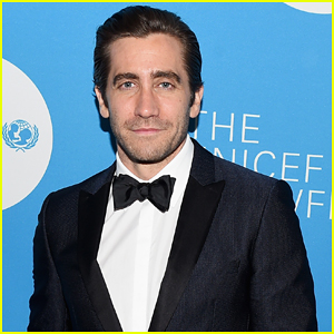 Jake Gyllenhaal Set To Play Art Critic In Upcoming Netflix Film!