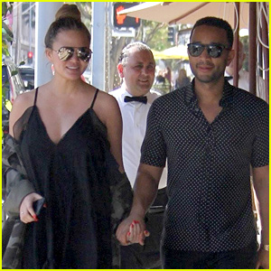 John Legend & Pregnant Chrissy Teigen Couple Up for Lunch Date!