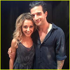 Lindsey Stirling Recreate an Iconic Dance for 'DWTS' Semi-Finals (Video)