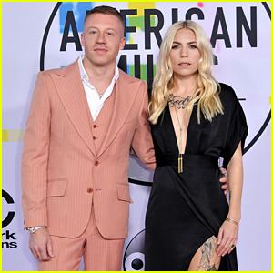 Macklemore & Skylar Grey Hit the Red Carpet Together at American Music Awards 2017!