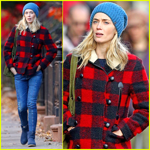 Emily Blunt Goes for an Afternoon Stroll Around NYC