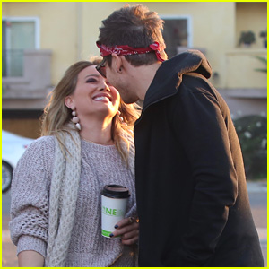 Hilary Duff & Matthew Koma Share a Sweet Kiss, Look So ... Hilary Duff Mean