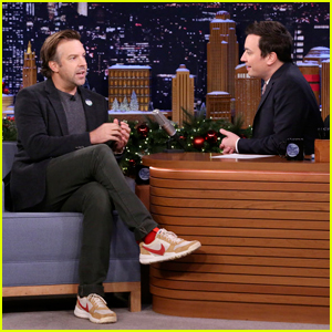 Jason Sudeikis & Jimmy Fallon Team Up Against U.S. Olympic Curling Team in Bar Curling!