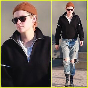 Kristen Stewart Kicks Off Her Day at the Spa