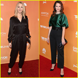 Lisa Kudrow & Kristin Davis Hug It Out at TrevorLIVE LA 2017!