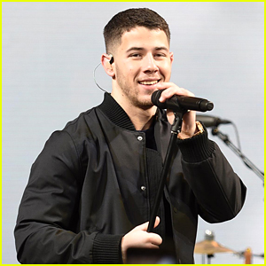 Nick Jonas Surprises Fans with Performance of His Golden Globe Nominated Song!