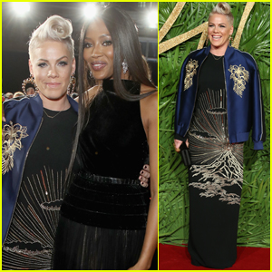 Pink & Naomi Campbell Meet Up at Fashion Awards 2017!