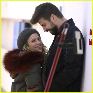 Shakira Cozies Up to Gerard Pique at JFK Airport!