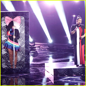 Sia Performs 'Titanium' with Brooke Simpson on 'The Voice' Finale (Video)