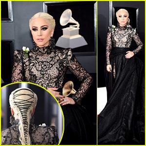 Lady Gaga Rocas de un Vestido Largo, Larga Trenza & Rosas blancas en los Grammy 2018