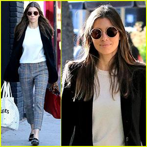 Jessica Biel Keeps It Comfy & Trendy for LA Shopping Trip