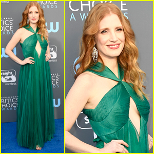 Jessica Chastain Stuns in Green at Critics Choice Awards 2018!