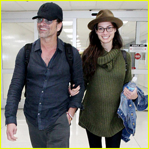 John Stamos & Pregnant Fiancee Caitlin McHugh Are All Smiles at LAX!