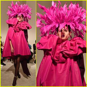 Kaia Gerber Rocks the Runway During 'Valentino' Paris Fashion Week Show