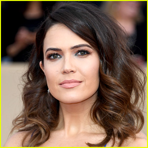 Mandy Moore Debuts Blonder Hair After Wrapping 'This Is Us'