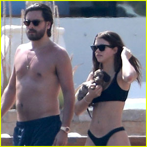 2e322a3376 Scott Disick goes shirtless and hangs out by the pool with a bikini-clad Sofia  Richie on Tuesday (March 27) in Mexico.
