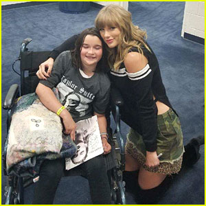 Taylor swift makes history with her nj shows on reputation taylor swift meets fan backstage who fell ill during concert m4hsunfo
