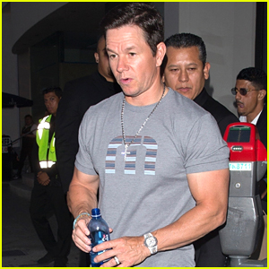 Mark Wahlberg Shows Off His Biceps at Dinner!