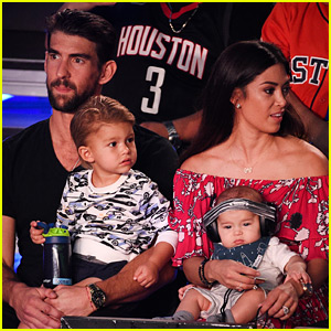 Michael Phelps & Wife Nicole Bring Their Two Kids to Nickelodeon Kids' Choice Sports Awards!