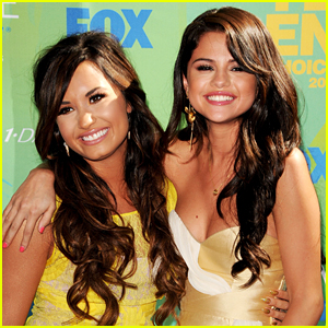 Selena Gomez's Mom Sends Her Love to Demi Lovato: 'My Heart Hurts'