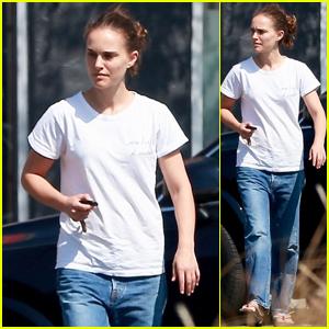 Natalie Portman Keeps It Casual While Running Errands in Los Feliz