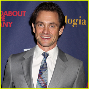 Hugh Dancy Looks So Handsome at Opening Night of His Show 'Apologia'