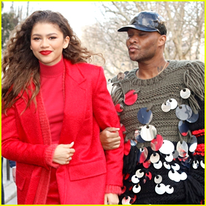 ce955801eb Zendaya Dishes On How Her Mom Not Wearing Makeup Had A Huge Impact On Her  Growing Up