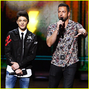 Shazam's Zachary Levi & Asher Angel Team Up at Kids' Choice Awards 2019