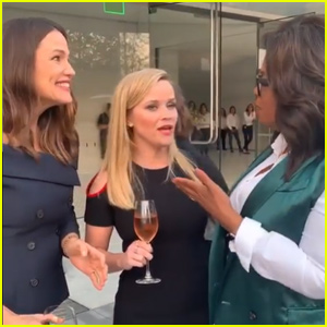 Jennifer Garner Celebrates Being an 'Apple Girl' With Oprah!