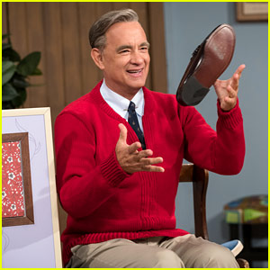 Tom Hanks as Mister Rogers in 'Beautiful Day in the Neighborhood' - New Photo!