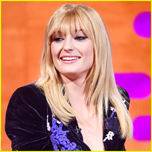 Sophie Turner Shows Off New Bangs on 'Graham Norton Show'