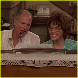 Woody Harrelson & Marisa Tomei Recreate the 'All In The Family' Opening - Watch!