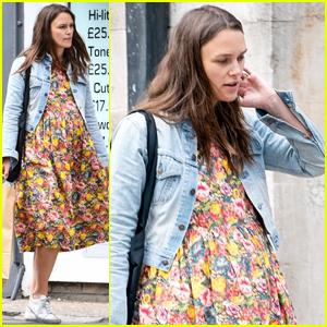 Pregnant Keira Knightley Runs Some Errands in London