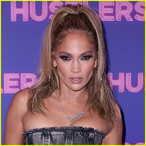 Jennifer Lopez Totally Slayed the Versace Runway in Milan
