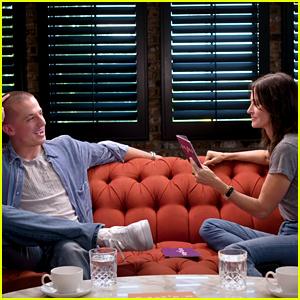Courteney Cox Quizzes Charlie Puth in 'Friends' Trivia - Watch Now!