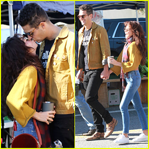 Sarah Hyland & Wells Adams Show Lots of PDA at Farmers Market