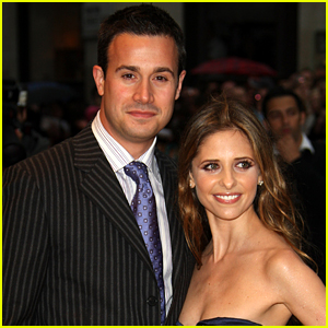 Freddie Prinze Jr. Reveals How His Relationship with Sarah Michelle Gellar Still Works After Over 2 Decades Together