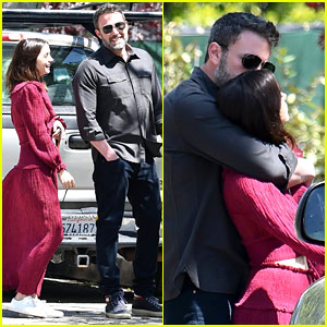 Ben Affleck & Ana de Armas Cuddle Up While Walking Both of Their Dogs