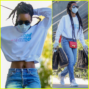 Kelly Rowland Flashes Her Fit Midriff During a Trip to Grocery Store!