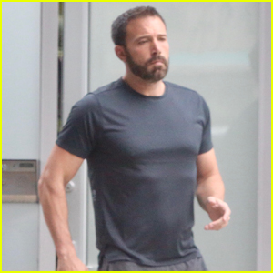 Ben Affleck Grabs a Dunkin' Donuts Delivery Outside His Office