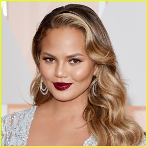 Chrissy Teigen Blocked One Million Twitter Users in One Day Amid Harassment Over Epstein Conspiracy Theories