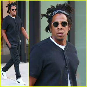 Jay-Z Steps Out in New York Amid Kanye West's Tweets About Him