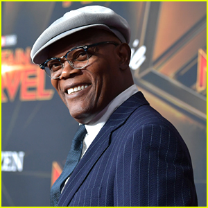 Samuel L. Jackson Wants People To Vote So Much That He's Promising To Do This in Return