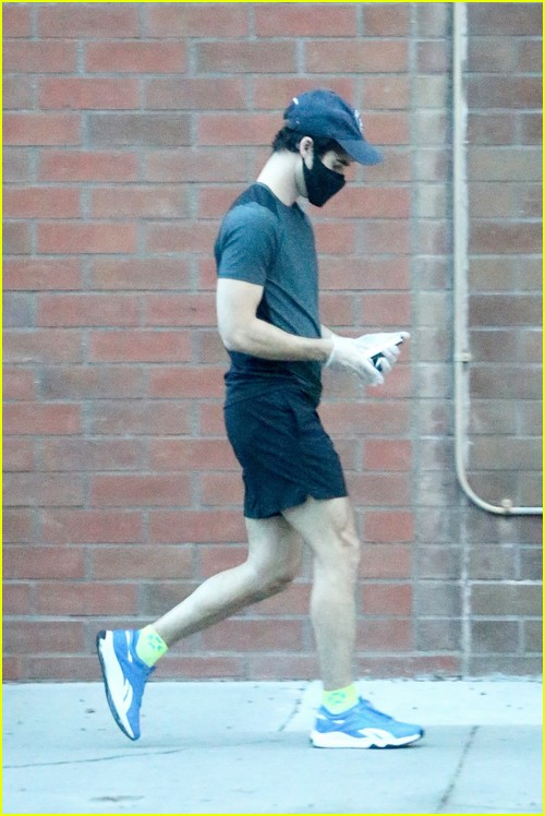 Darren Criss sprints to his appointment