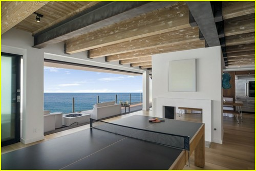 Photos from inside the beach house that Matthew Perry sold