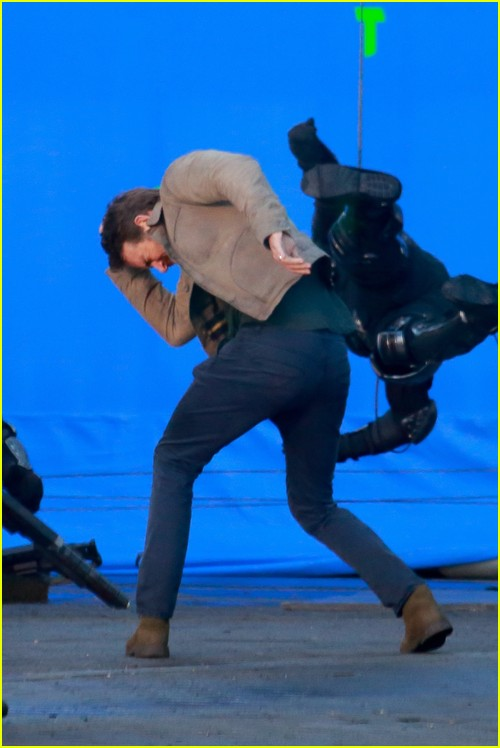 Ryan Reynolds on The Adam Project set