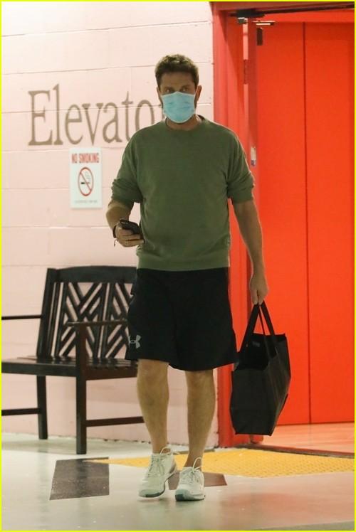 Gerard Butler at medical building