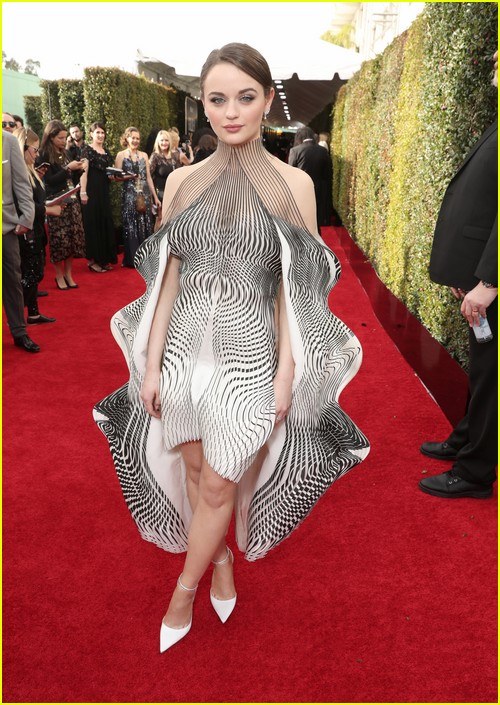 Joey King on Golden Globes red carpet