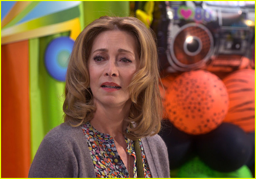 Sharon Lawrence as Susan in Peacock's Punky Brewster
